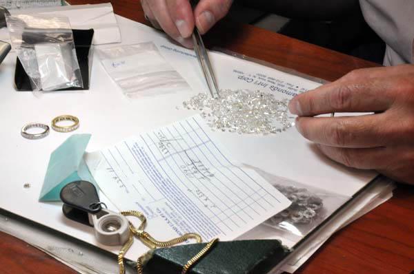 hand jewelry polisher